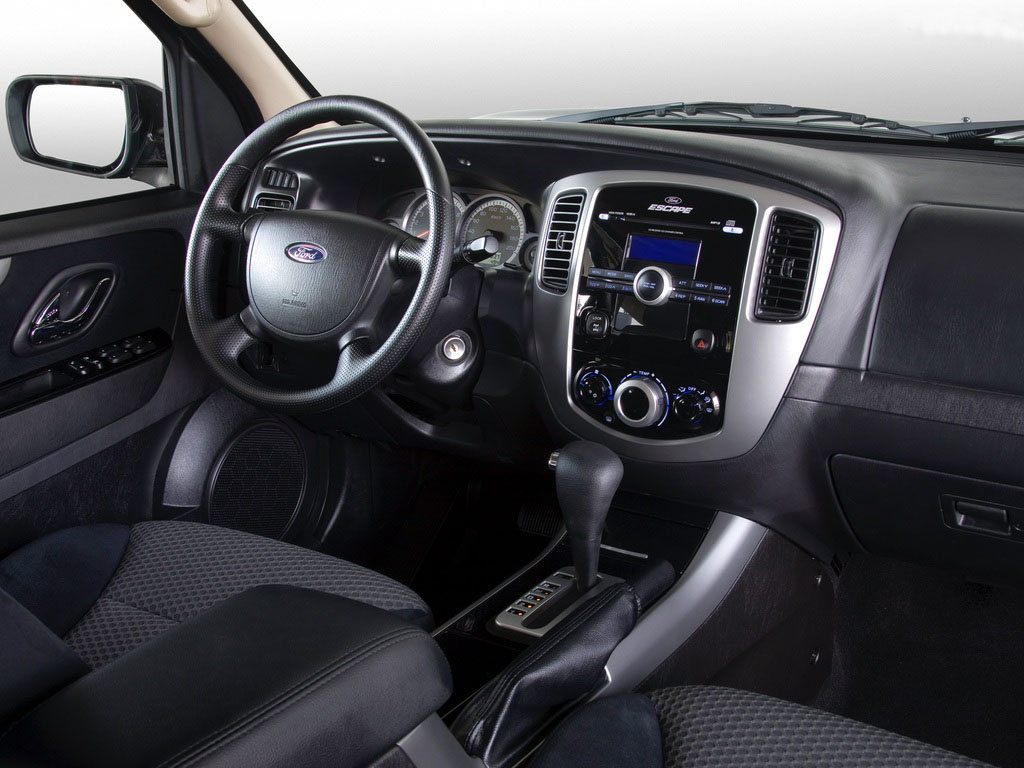 ford escape generasi ketiga tahun 2008 interior dashboard