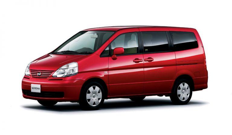 harga mobil bekas nissan serena c24 generasi kedua tahun 2004-2012