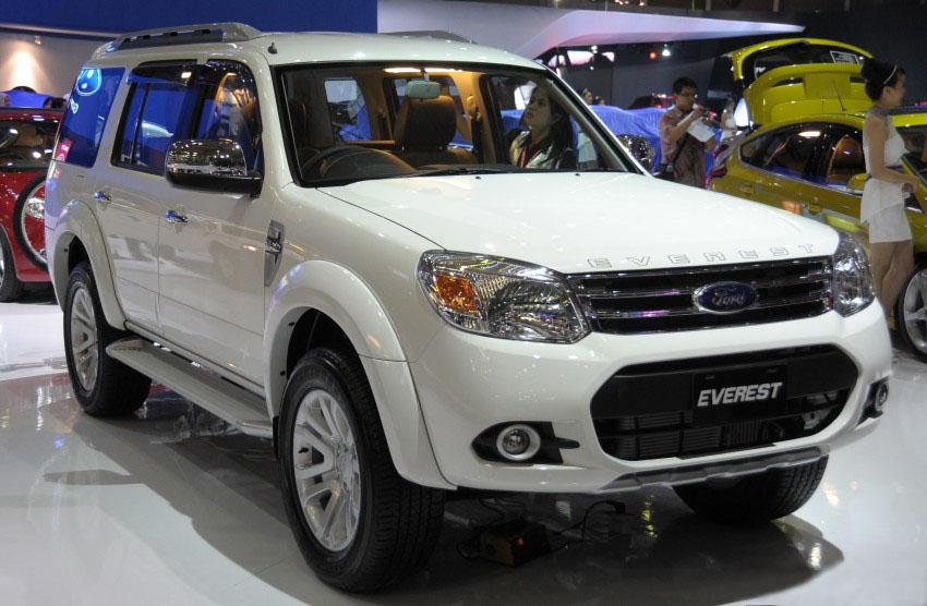 harga mobil bekas ford everest gen 2 facelift tahun 2013-2015