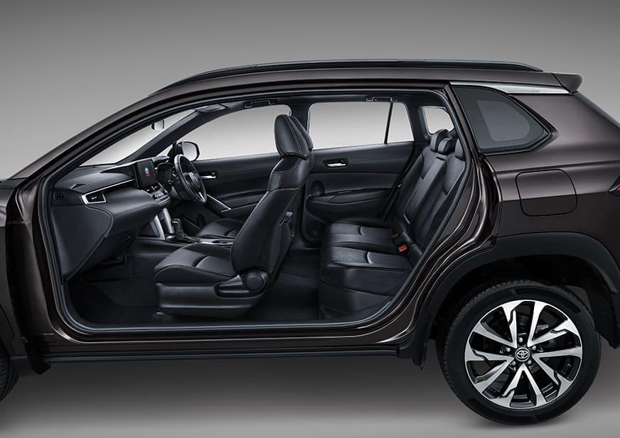 toyota corolla cross hybrid 2020 interior kabin