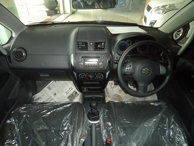 suzuki sx4 rc1 interior